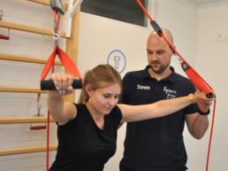 Redcord behandeling voor de schouders bij Fyzico